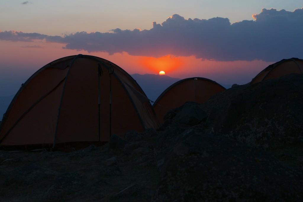 Smuk aftenudsigt fra lejr 1 på Ararat