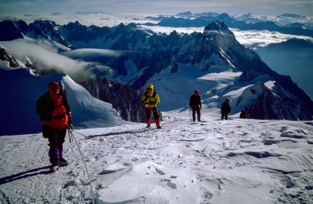 Gruppe i 1995 på vej de sidste meter mod toppen af Mont Blanc