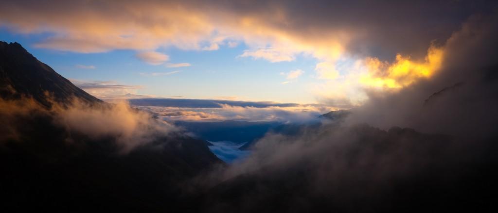 Morgenlys i Kaskar bjergene i det nordøstlige Tyrkiet