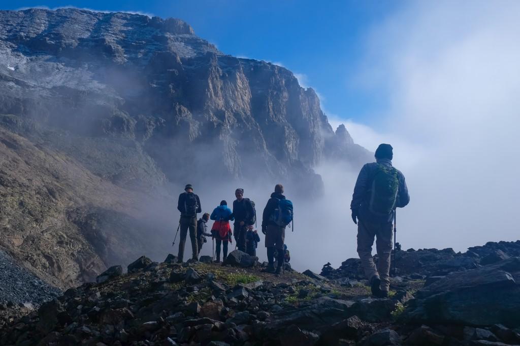 Gruppe fra Kipling Travel på vej mod den sidste stejle opstigning til Kaskar bjerget, nordøstlige Tyrkiet